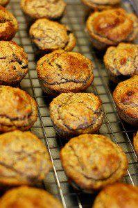 easy applesauce muffins