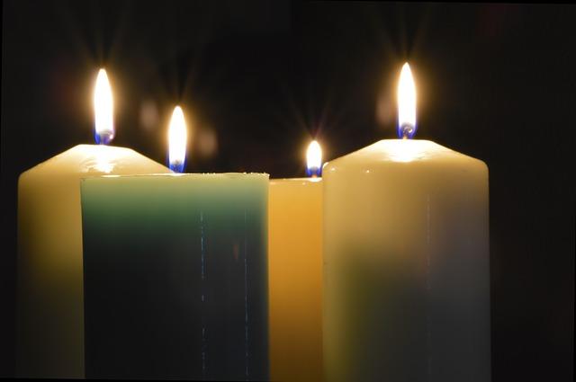 candle-432813_640