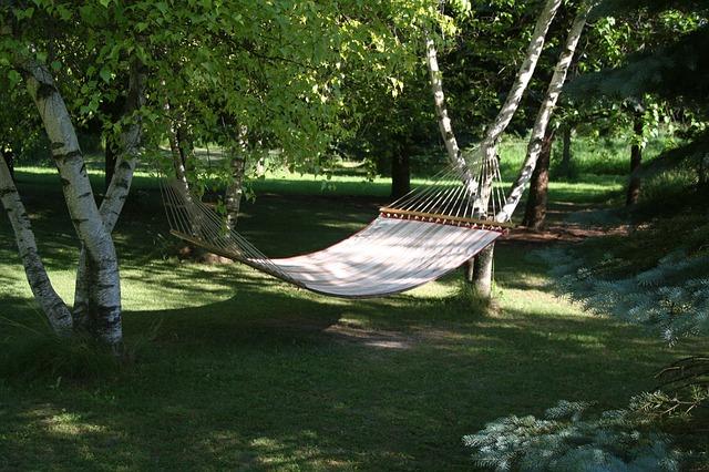 hammock-385600_640