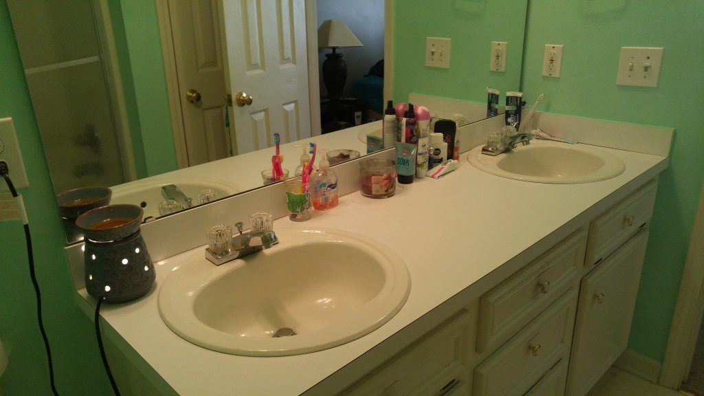 I absolutely love a clean bathroom!