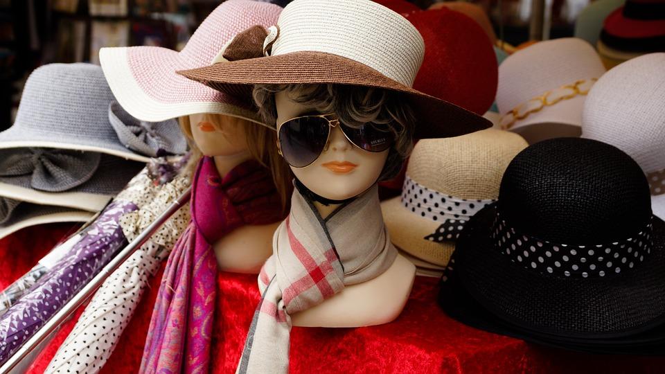 mannequin-hat