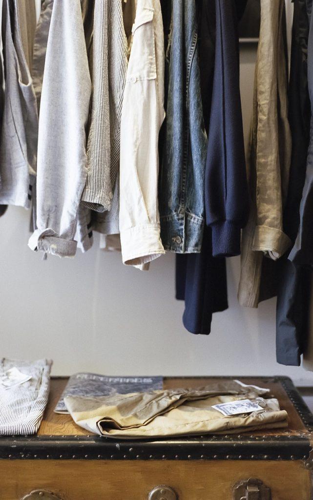closet-1209917_1280