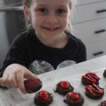 These Chocolate Peanut Butter Cracker Cookies are a breeze to make with your kids! {Columbia City Moms Blog}