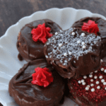 Cooking With Kids :: Chocolate Peanut Butter Cracker Cookies {Valentine Edition}