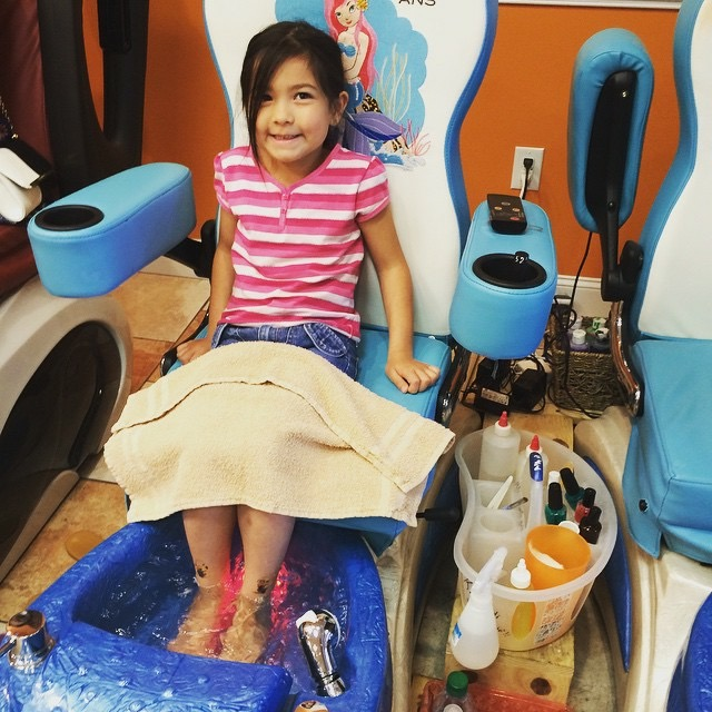 mani pedi | 9 Fun Mommy Daughter Date Ideas Around Columbia | Columbia SC Moms Blog