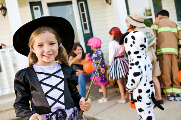 I'm Done with Halloween DIY :: Boxed Costumes are OK with Me | Columbia SC Moms Blog
