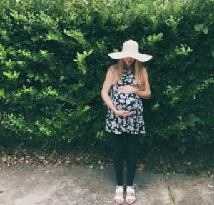 Maternity Wardrobes :: Getting the Best Clothes for the Best Value