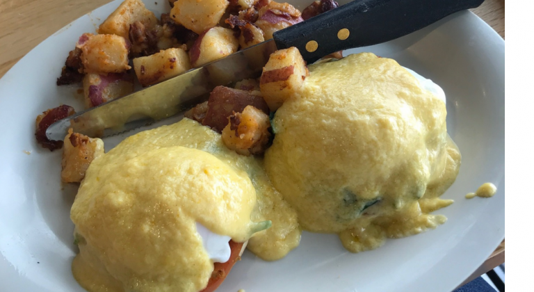 Columbia Mom EATS :: Eggs Up Grill